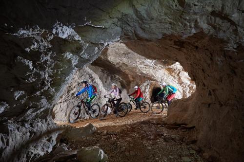 Podzemlje Pece kolesarjenje februar 2017 33